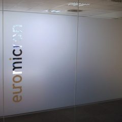 Raithel Werbetechnik und Textildruck - euromicron - Scheibenbeklebung - Glasdekor