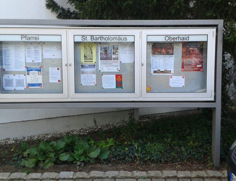 Raithel Werbetechnik und Textildruck - Pfarrei-St. Bartholomäus - Schaukasten - Schaufensterbeschriftung