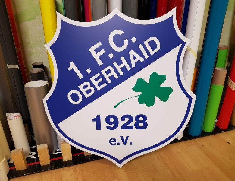 Raithel Werbetechnik und Textildruck - 1. FC Oberhaid - Oberhaid - Vereinswappen - Konturgefrästes Aludibond mit Digitaldruck und Schutzlaminat